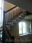 Лестница из сосны крашеная