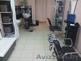 Парикмахерская сдает в аренду кресло. 3 мин пешком от станции метро Институт кул