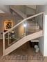 Лестница со стеклом из дерева