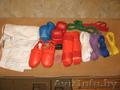Кимоно,  накладки,  футы,  комплект поясов,  капа БУ (весь комплект для карате)